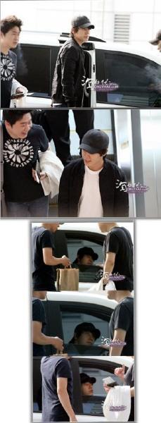 دونغهي في المطار متجه الى تايوان